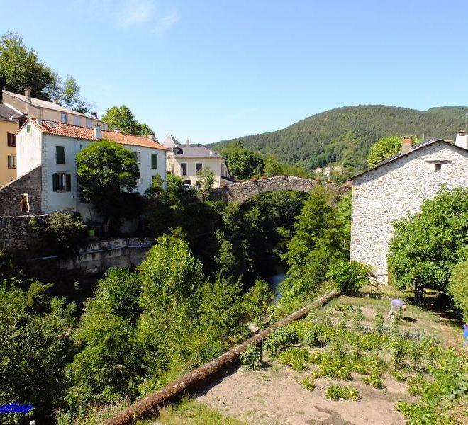 Pont-Vieux_St-Jean-du-Bruel_1